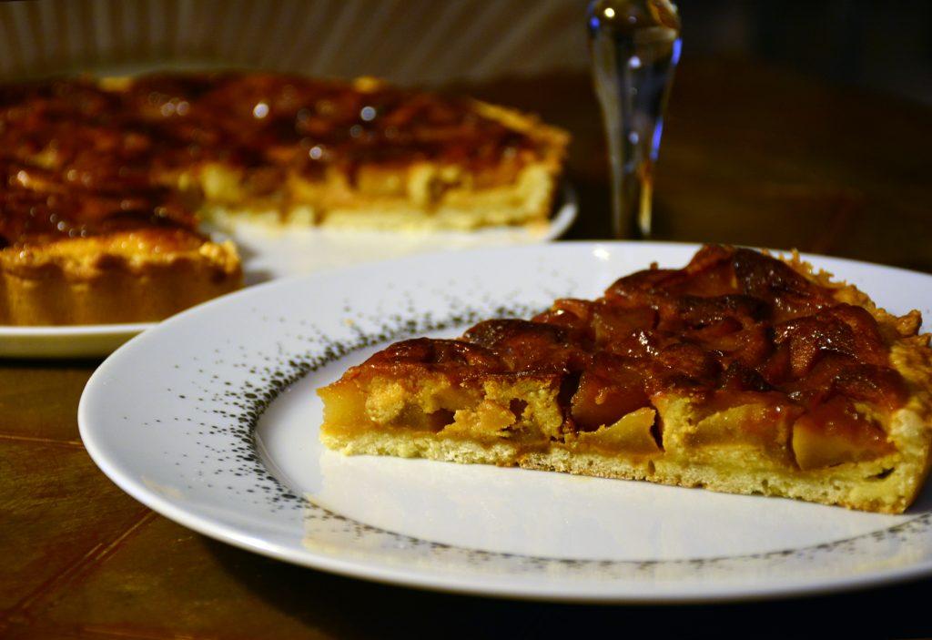 La tarte de Pont-Audemer aux pommes caramélisées
